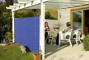 seitenmarkisen seitenrollo balkon sichtschutz windschutz. Black Bedroom Furniture Sets. Home Design Ideas
